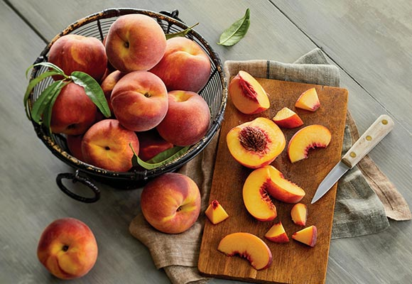 Harvest Peaches