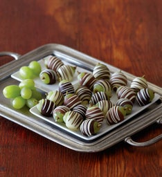 Chocolate-Dipped Grapes - Two Dozen