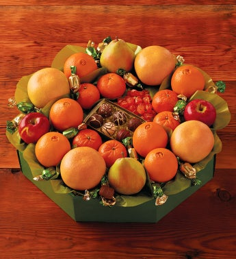 Deluxe Holiday Fruit Wreath by Harry & David