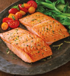 Stock Yards™ Atlantic Salmon Filets – Six 10-Ounce