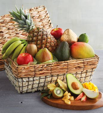 6-Month Fruit-of-the-Month Club174 Medley Gift Basket Collection Begins in September