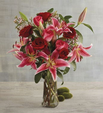 Valentine39s Day Rose and Lily Bouquet