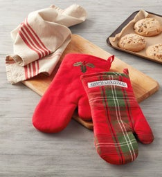 PlaidHolly Oven Mitts