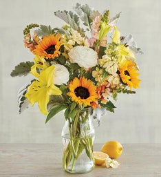"""Hello, Sunshine"" Bouquet"